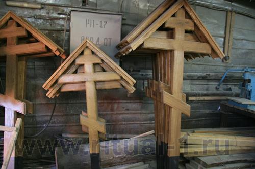Готовые деревянные кресты